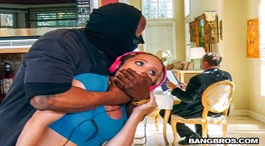 Bangbros Ass Parade – Strong Armed That Pussy with AJ Applegate 380x210