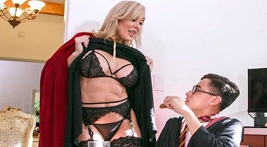 Bangbros porn - Halloween Special With A Threesome with Brandi Love & Kenzie Reeves by MomIsHorny 380x210