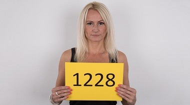Casting HD Czechcasting 1228 by Milena 43 years old Prague 380x210