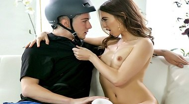 BangBros 18 - Riley Reid Squirts on That Cock 380x210