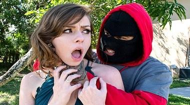 Bangbros hd - Getting Man Handled By A Horny Thief with Alex Blake 380x210