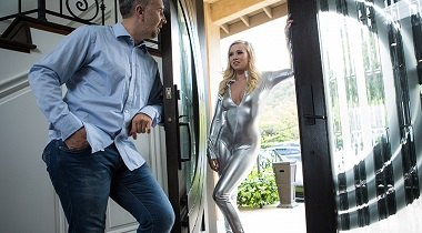 Brazzers Exxtra - Fucking Her Uncanny Valley Bailey Brooke & Keiran Lee 380x210