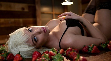 Brazzers 1080p - Baby Got Boobs - Athena For Dessert with Athena Palomino & Keiran Lee 380x210