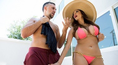 Brazzers.com - Real Wife Stories - Had Some Fun, Gotta Run! Ariella Ferrera & Keiran Lee 380x210