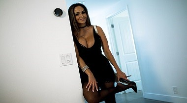 Brazzers.com - Pornstars Like It BigRent-A-Pornstar The Lonely Bachelor Ava Addams & Keiran Lee 380x210