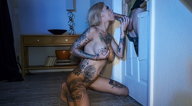 Brazzers Exxtra - He Came At Night Part 3 Bonnie Rotten & Small Hands 380x210