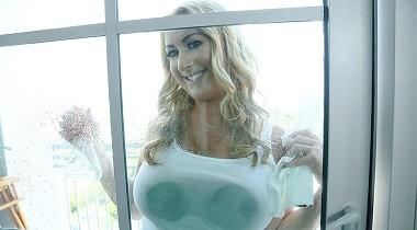 PervMom - Janna Hicks in Washer Fluid Wetness 380x210