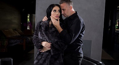 Brazzers - Fuck Me By The Fire with Victoria June & Keiran Lee 380x210