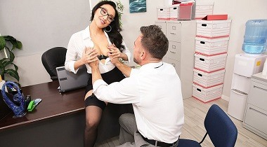 Naughtyamerica - Naughty Office Vicki Chase & Johnny Castl 380x210