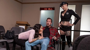 Brazzers - Fuck Christmas Part 3 with Anna Bell Peaks, Honey Gold & Jessy Jones 380x210