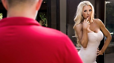 Brazzers hd - Real Wife Stories - Courtney Lends A Helping Hand with Courtney Taylor & Keiran Lee 380x210