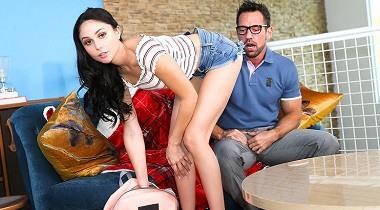 Naughtyamerica.com - My Daughter's Hot Friend Ariana Marie & Johnny Castle 380x210