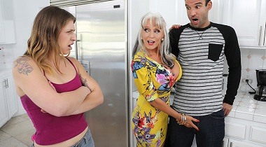 Brazzers 2019 - Can You Help My Mom Sally D'Angelo & Alex Legend 380x210